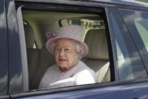 Winnie-the-Pooh meets the queen in birthday story