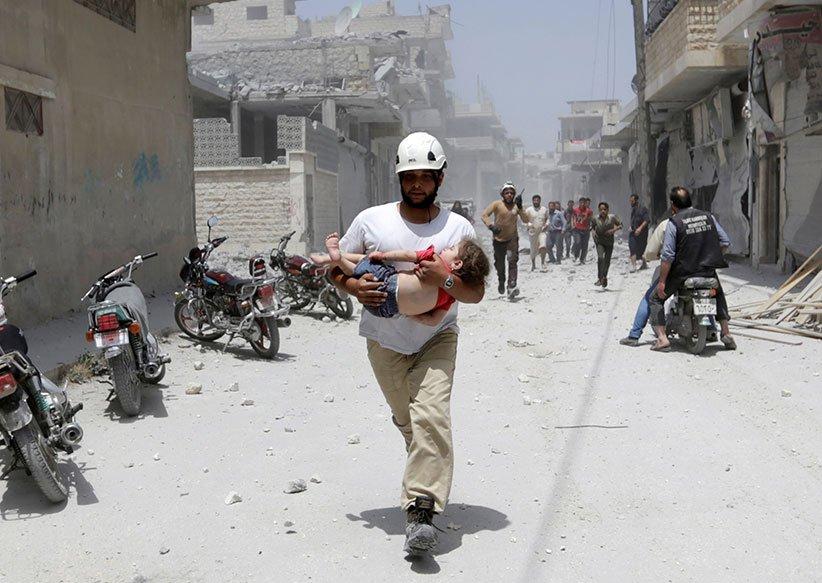 Aleppo hospital hit as Syria army presses assault