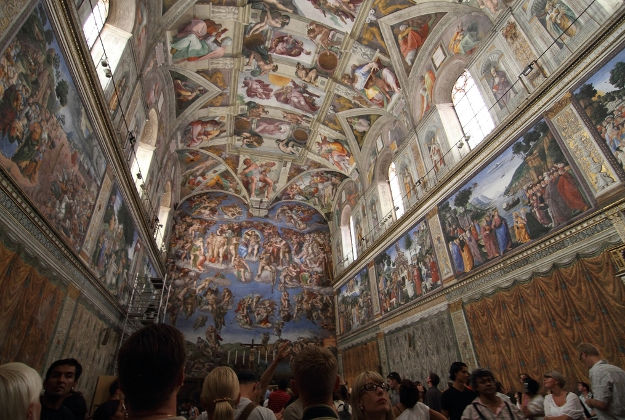 Sistine chapel photographed in unprecedented detail
