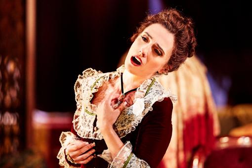 Russian soprano performs emergency 'Traviata' at Met Opera