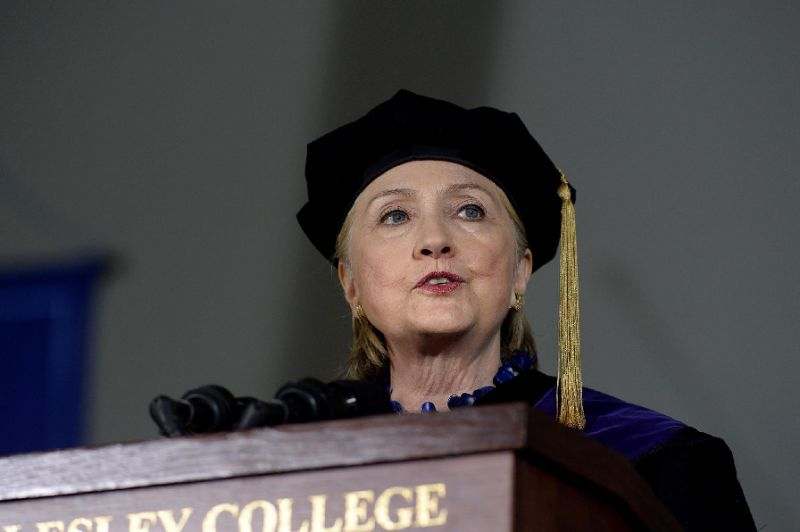 Clinton delivers stinging attack on Trump at graduation speech