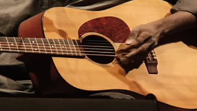Prominent Australian Aboriginal musician Dr G Yunupingu dies aged 46
