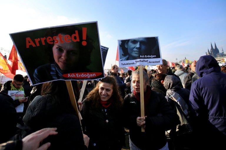 Beleaguered Turkish publishers win 'freedom to publish' award