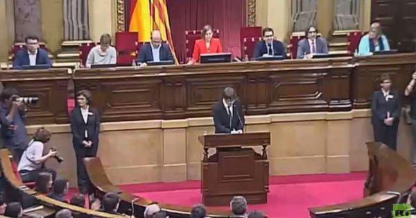 Spanish prosecutor seeks arrest warrant for Puigdemont, ex-deputies