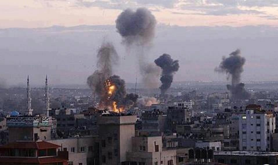 Gaza death toll rises to four after protests and airstrikes