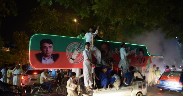 Monitors question credibility of Pakistan's election