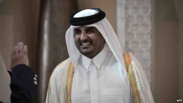Qatar ruler calls for dialogue to end Gulf row