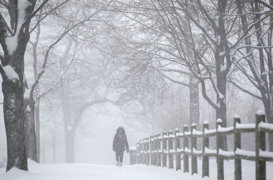 As face-freezing weather subsides, Chicagoans ready for a break: 'Zero is going to feel warm'
