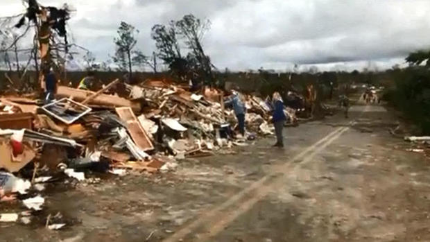 Death toll rises to 22 from Alabama tornadoes