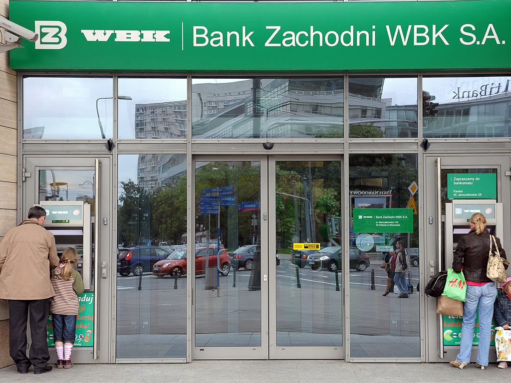 Polish banks await crucial ruling of EU court with billions at stake