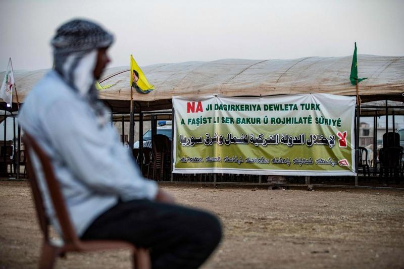 Syrian army nears Turkish border as Kurds reach deal with Damascus