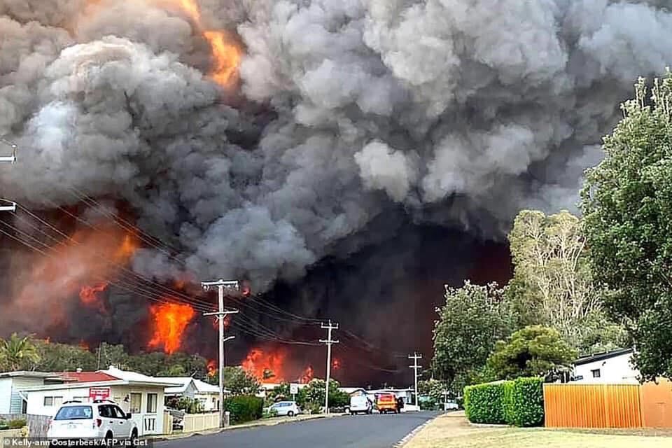 Extreme weather fans Australia fires as PM calls up troops to help
