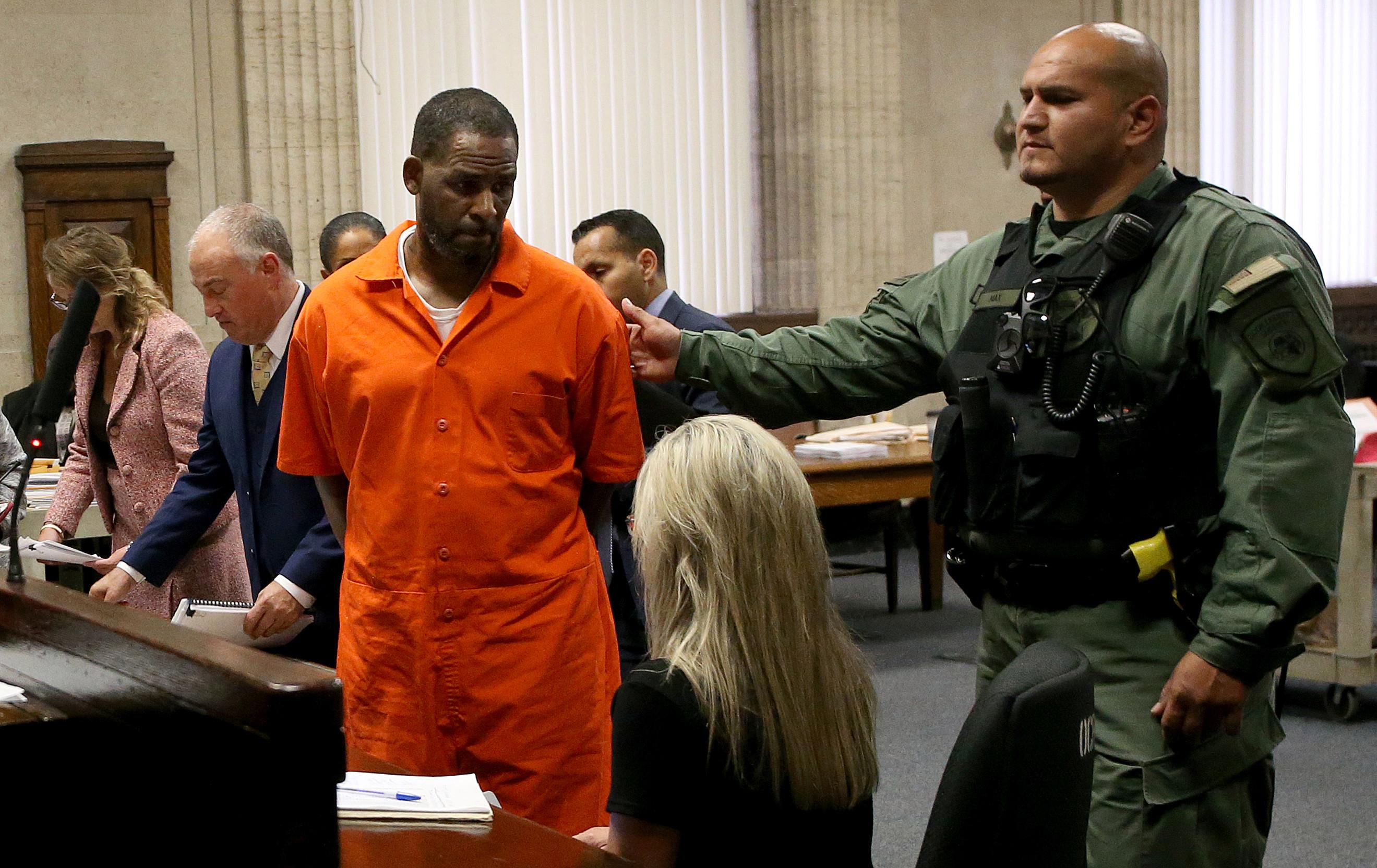 R Kelly seeking to exit federal custody due to coronavirus fears