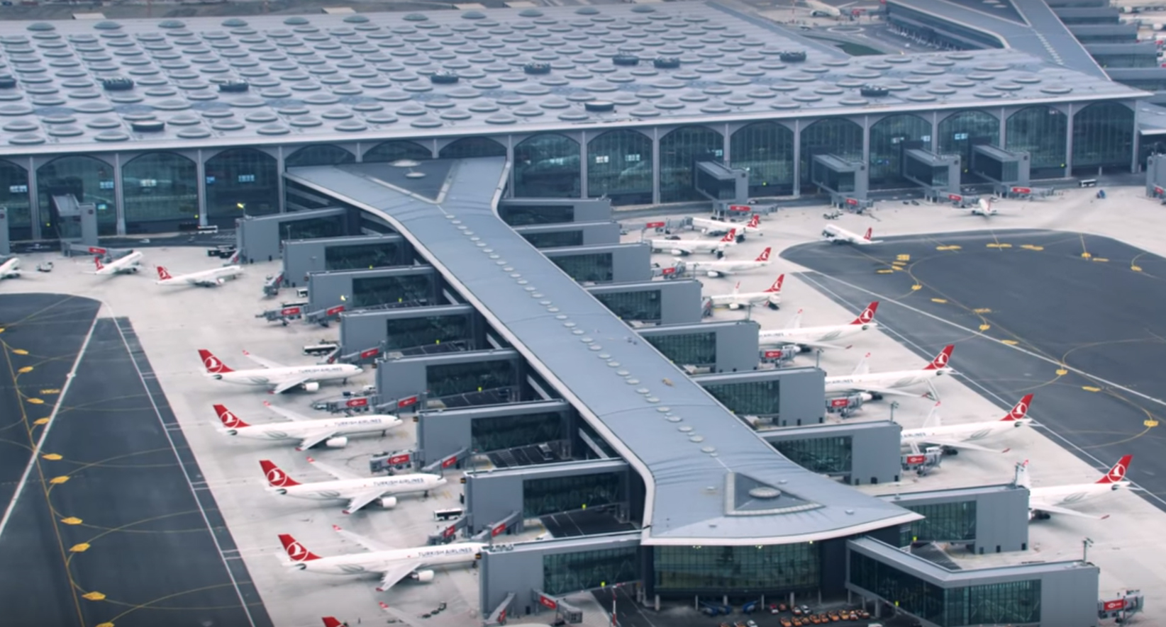Istanbul airport grounds flights as Turkey's death toll exceeds 100