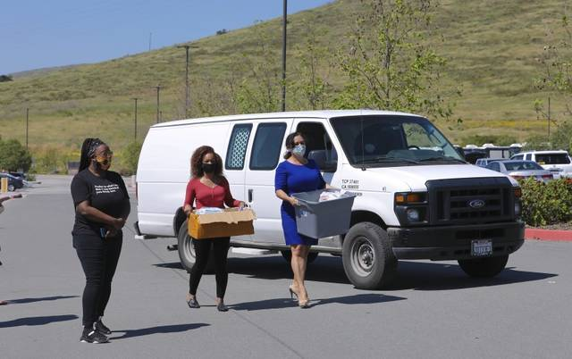Immigration detention center turns away advocates donating masks