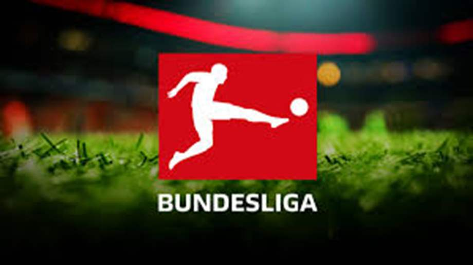 A Dortmund beat Gladbach 3-0, Stuttgart lose on Bundesliga retur