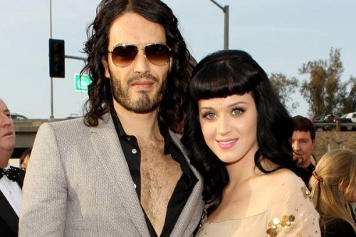 Russell Brand cancels S.Africa tour over passport woes