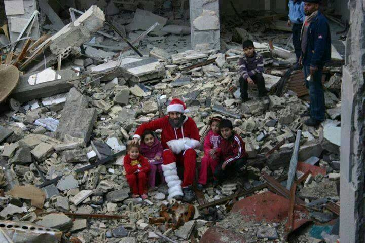 Syrian artists turn to black humour to mark Christmas