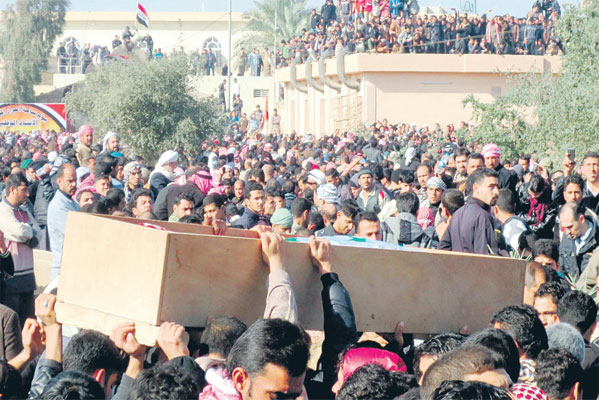 Clashes kill 10 as Iraq forces clear Sunni protest camp