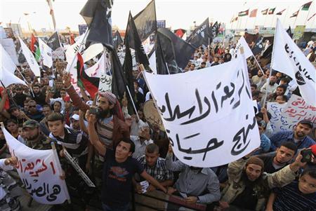 Tug of war with Islamist MPs paralyses Libya