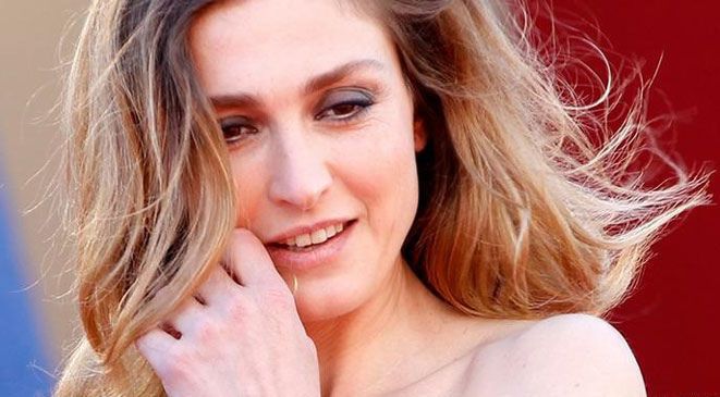 President's lover Gayet at French film awards