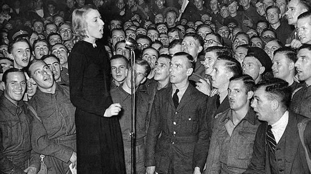 New album for British WWII forces' sweetheart Vera Lynn, 97