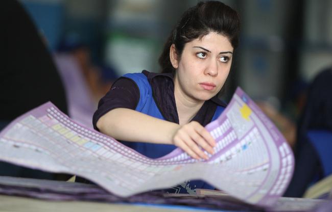 PM 'certain' of victory as Iraqis vote despite attacks