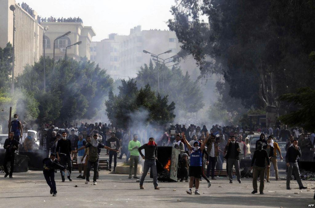 Gunmen shoot dead three policemen, wound nine in Cairo: ministry