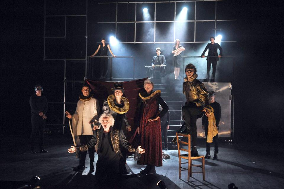 Marathon 18-hour Shakespeare play dazzles Avignon