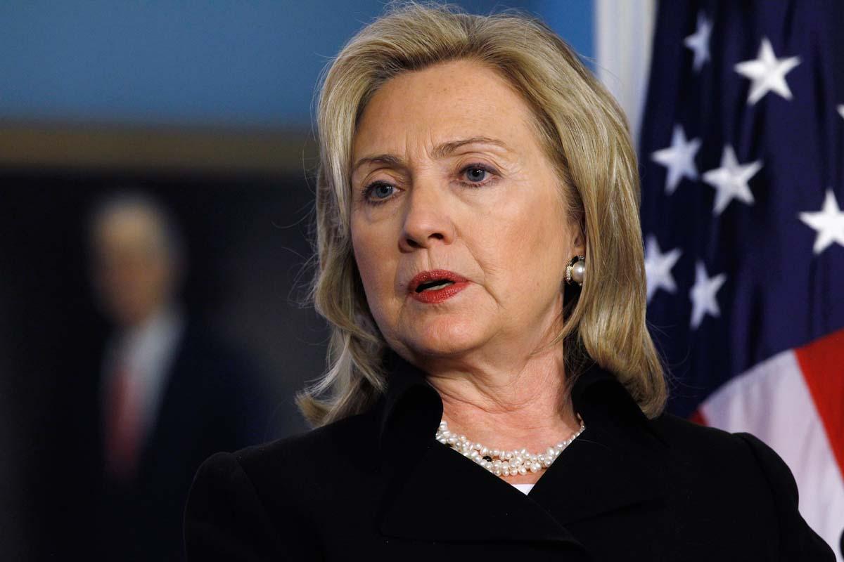 Clinton blames Islamic militants rise on Obama policies