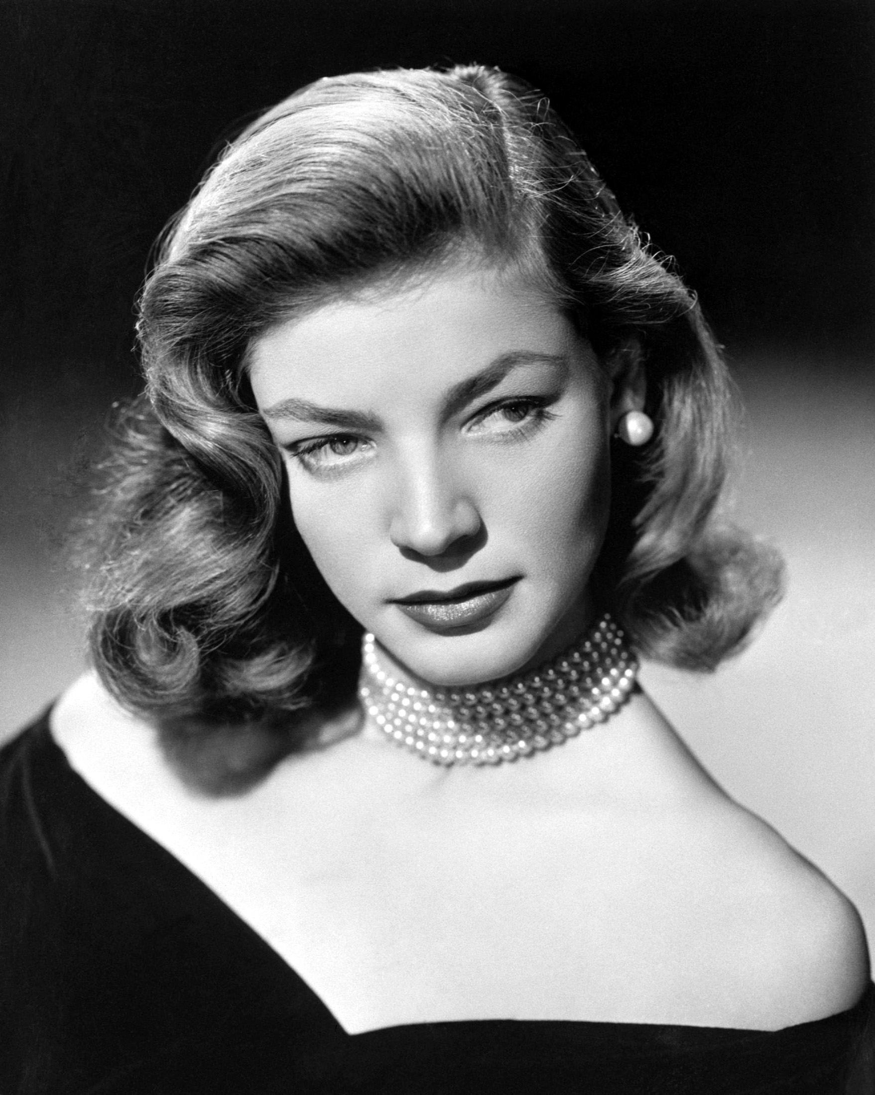 Hollywood tributes to Bacall after screen legend's death