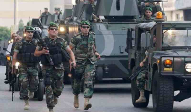 Lebanon troops, Islamists clash in historic Tripoli market