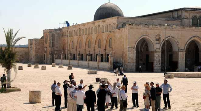 Fearing backlash, Jordan asserts Al-Aqsa custodianship