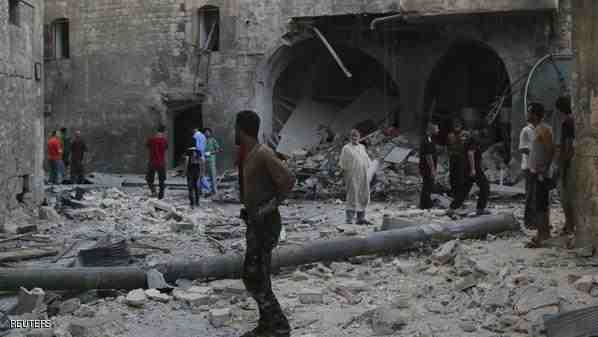 Syria regime raids on Islamic State 'capital' kill 95