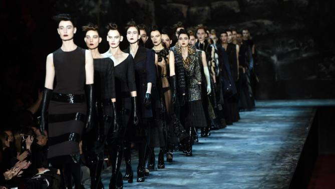 Marc Jacobs wows NY crowd with eccentric elegance