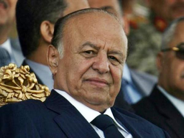 Yemen leader meets governors after fleeing capital