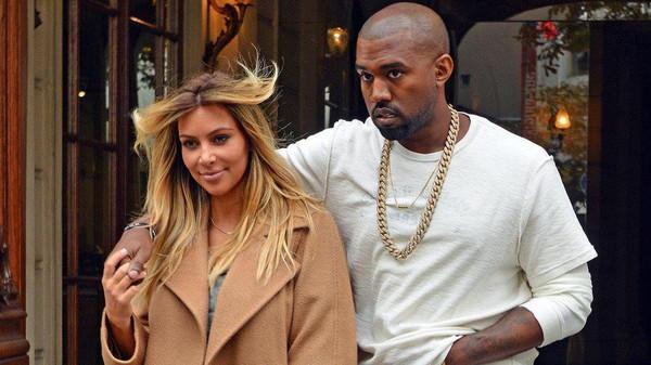 Kim Kardashian goes blonde at Paris Fashion Week