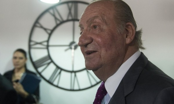 Controversial sculpture of Spain's ex- king on display