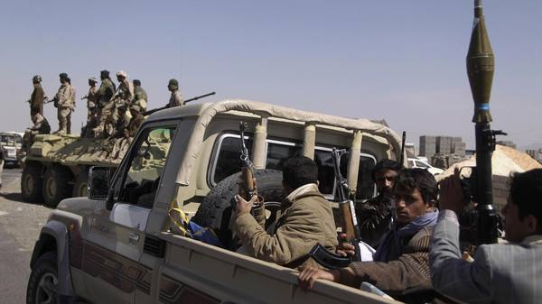 Yemen rebels attack Saudi border, dozens dead