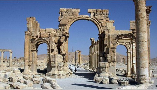 IS jihadists threaten ancient Palmyra ruins
