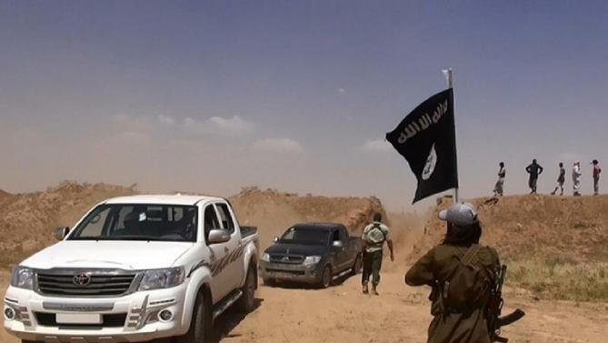 IS cements grip on Iraq-Syria border in jihadist surge