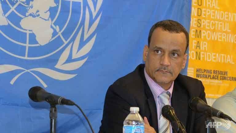 UN envoy opens Yemen talks as coalition pounds rebels