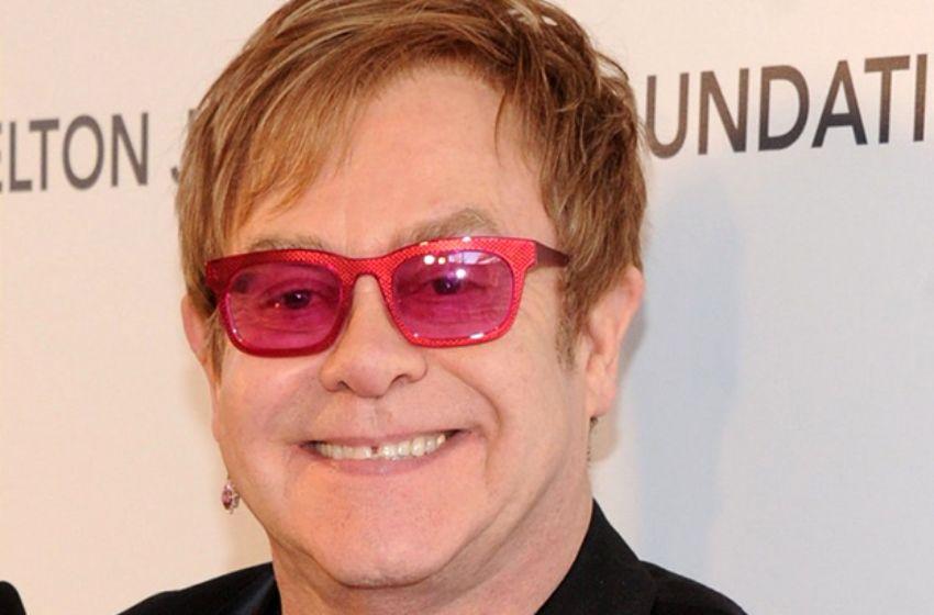 Elton John pursues French media trio over health 'rumours'