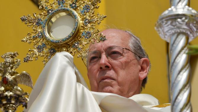 Newspaper nixes Peru cardinal after papal 'plagiarism'