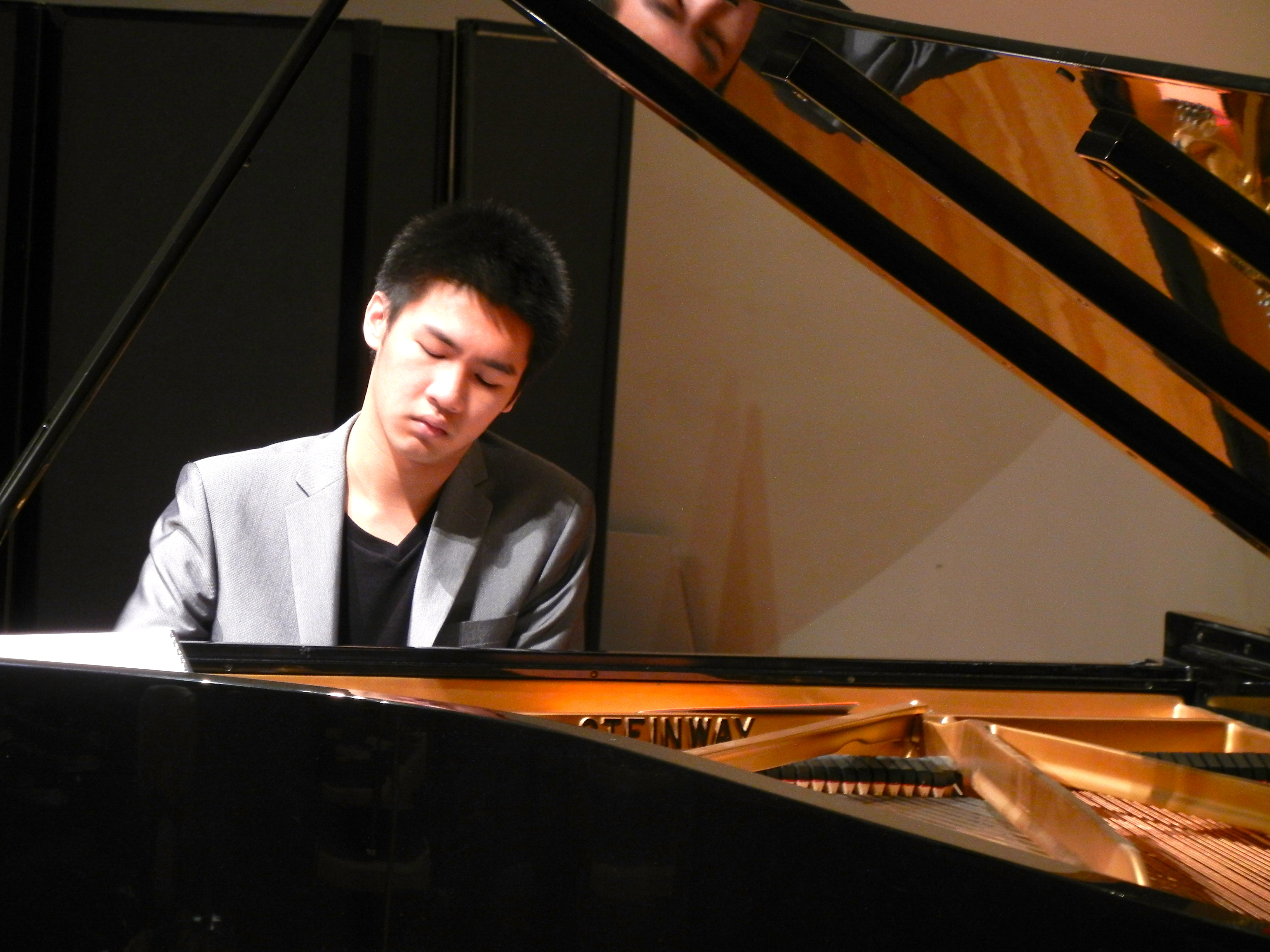 Pianist Tao on quest to revive concert experience