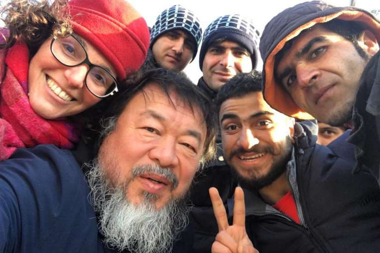 Chinese artist Weiwei to create refugee memorial on Lesbos
