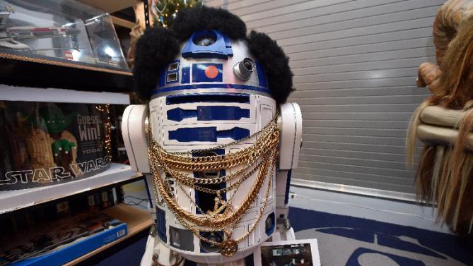 'Star Wars' still rules box office