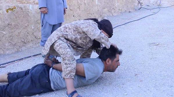 IS fierce assault on Syria city has residents fearing 'massacres'