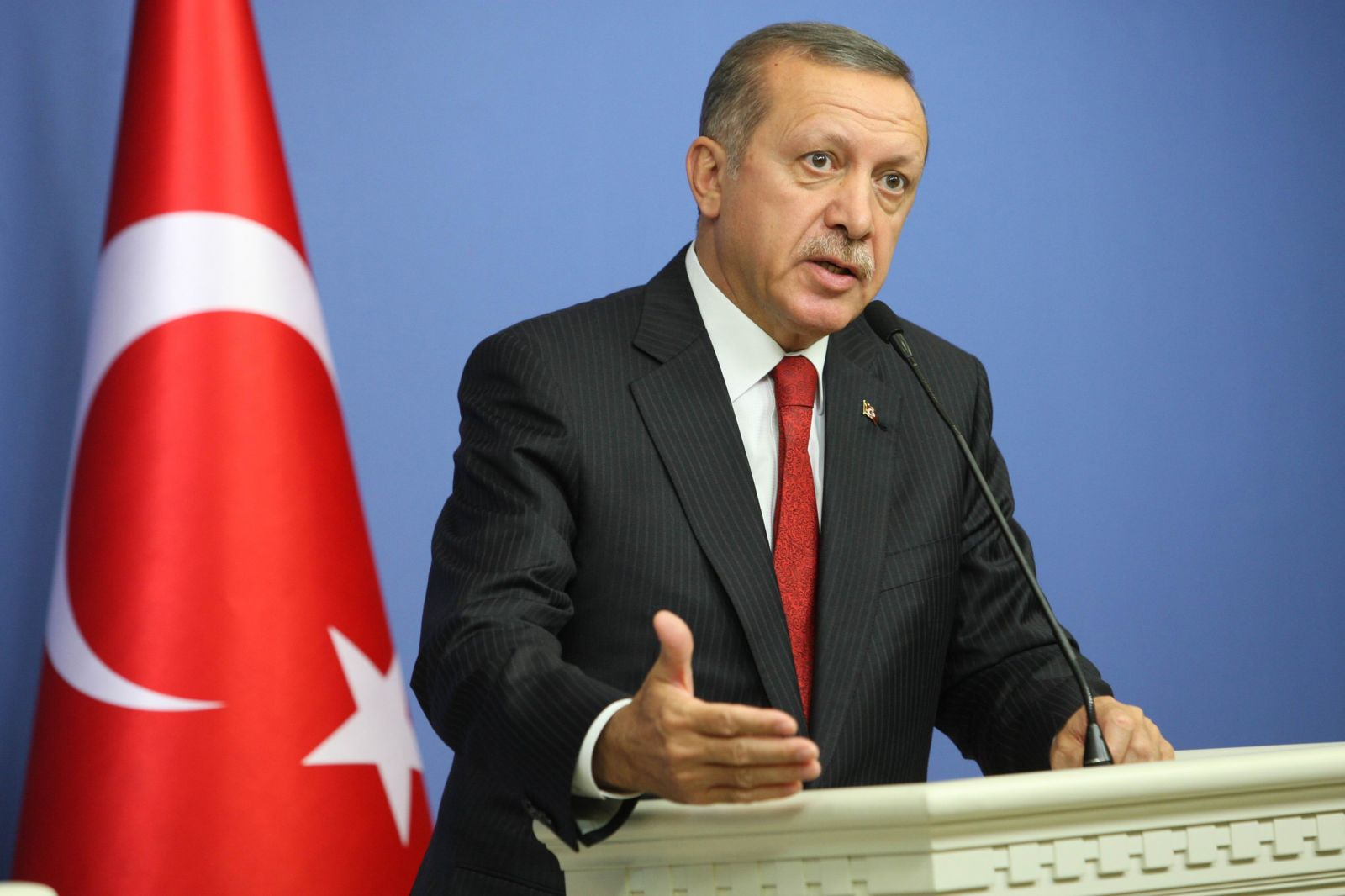 Erdogan threatens to send refugees to EU as NATO steps in