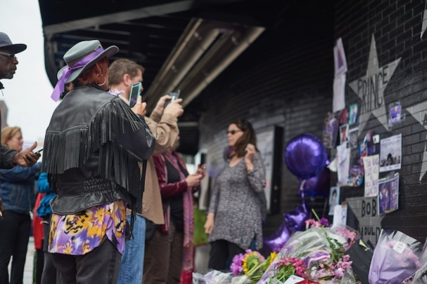 Bells of Minneapolis ring out Prince tribute
